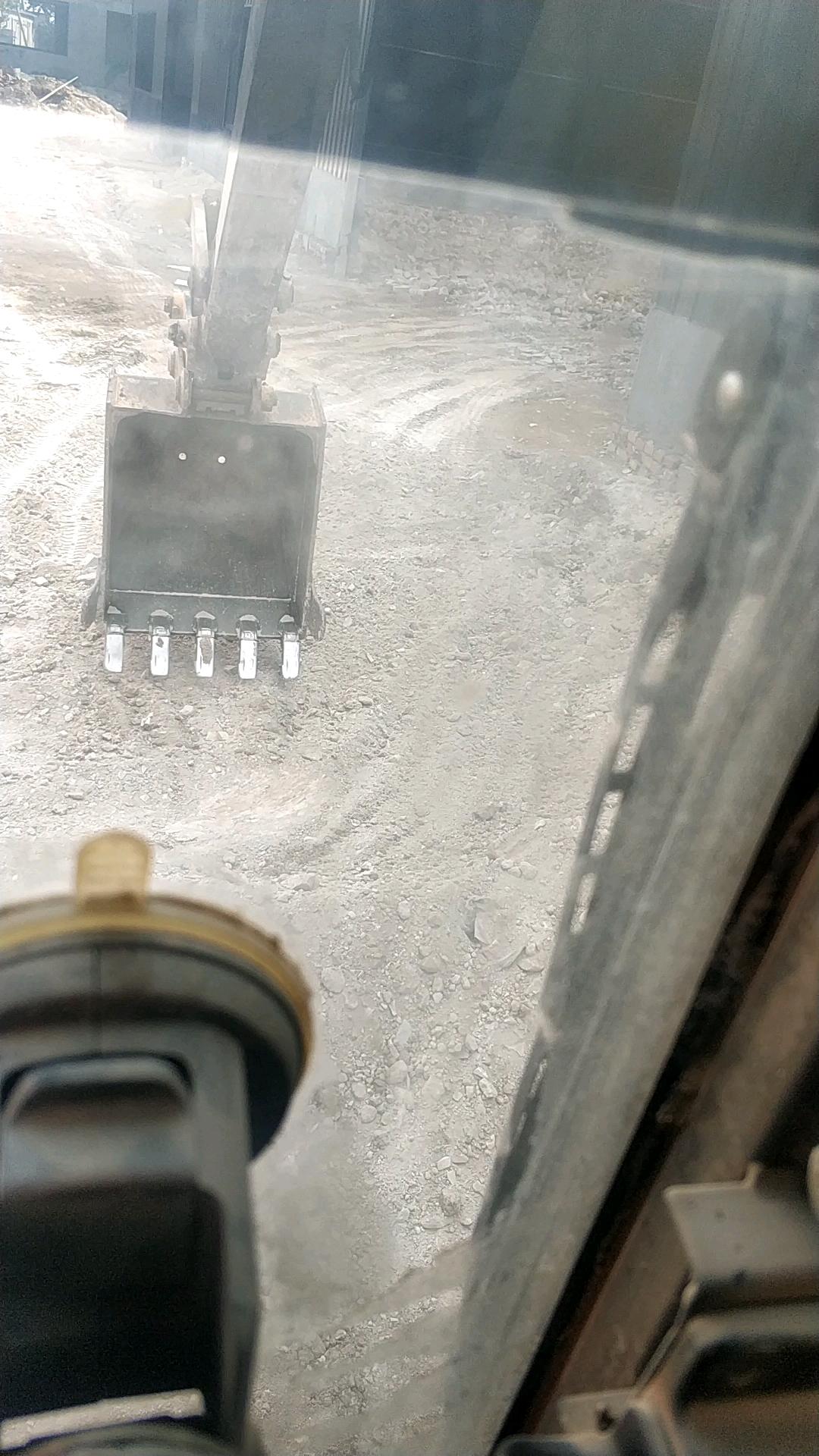 【我的好同伴】小松PC60-8挖机9000+小时运用陈诉