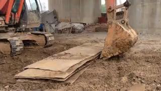 【操作教学】挖掘机挖钢板心得体会帖子图片