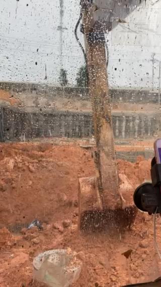 【机械城视频】下雨了,难搞哦