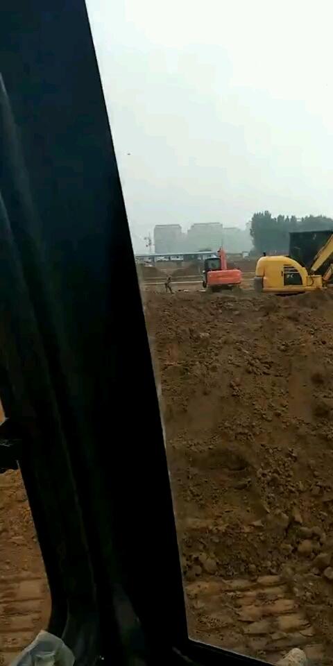 现代75vs挖掘机300小时使用报告
