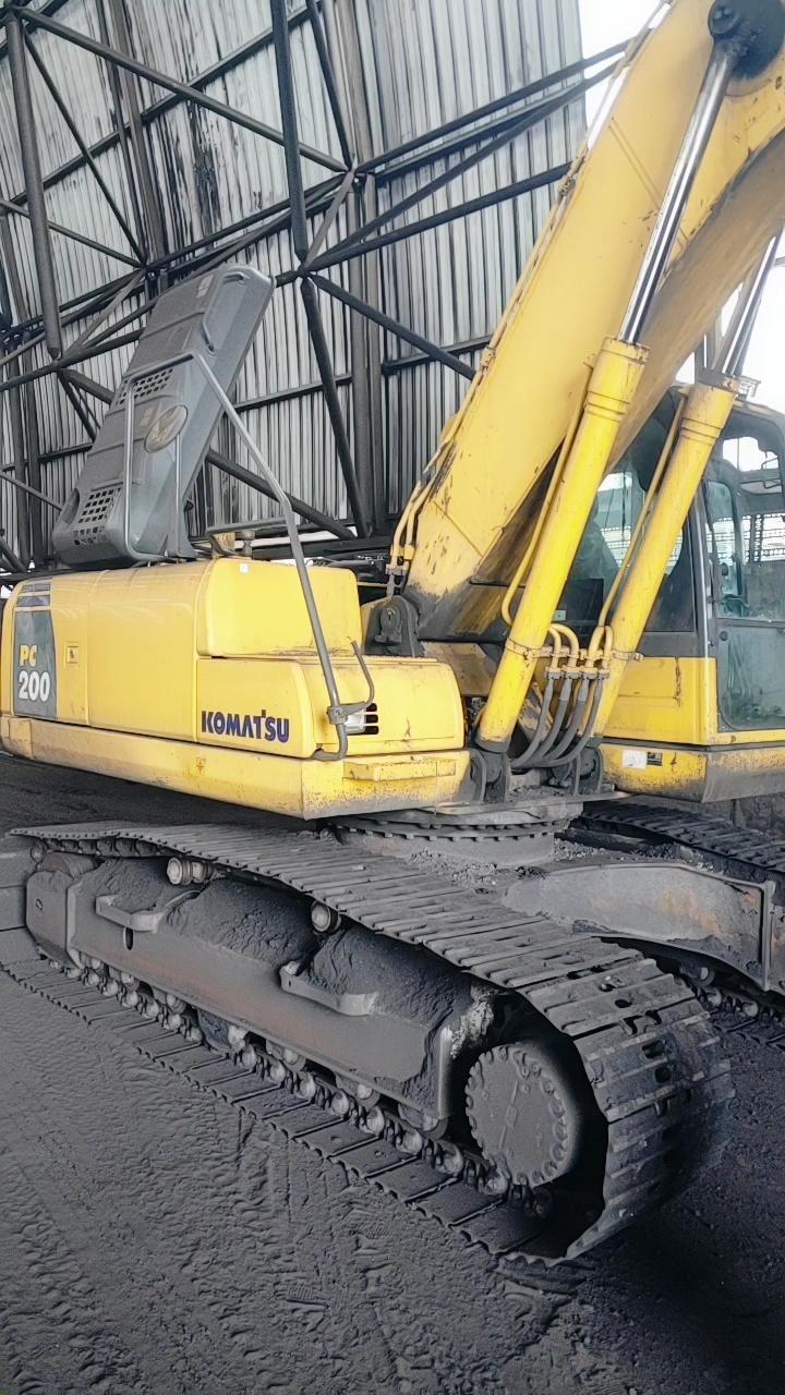 【机械城视频】小松挖掘机很多可以看年限的地方-帖子图片