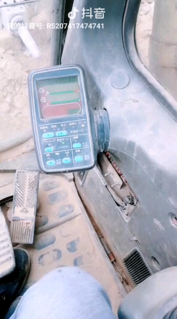 小松120-6关钥匙不断电故障处理