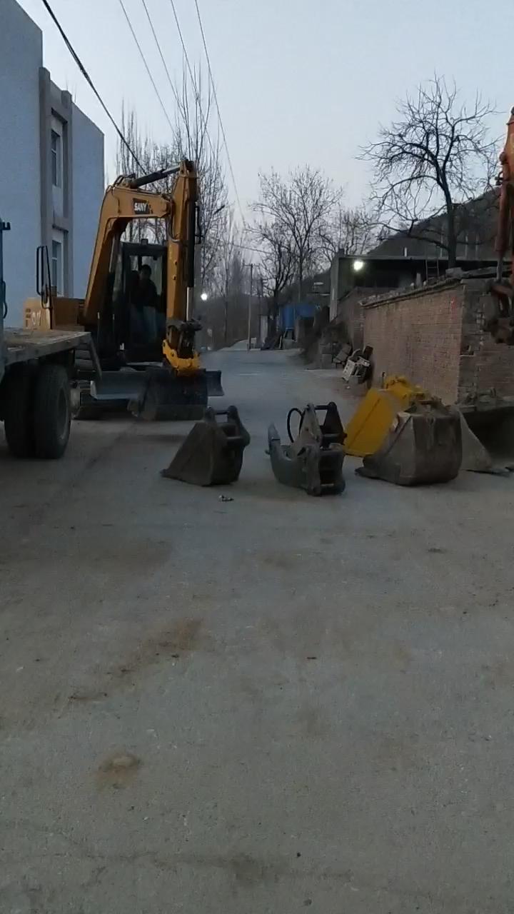 免费挖机300小时使用报告(啥是免费挖机!)。