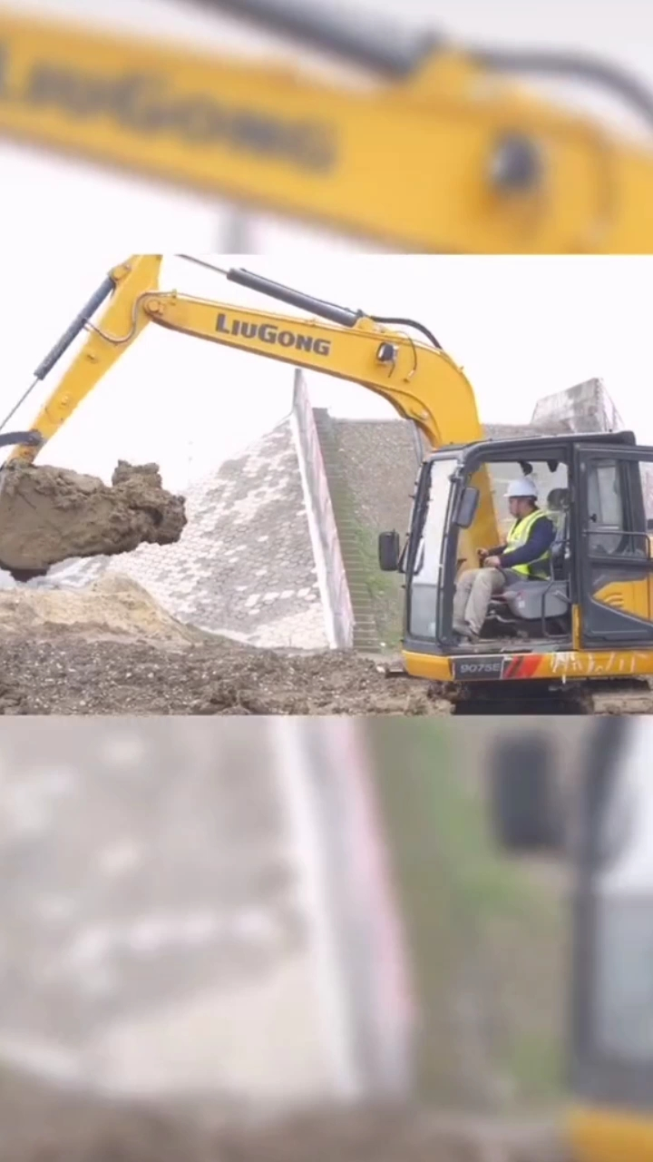 柳工CLG9075E挖掘机(二)甩方挖沟作业