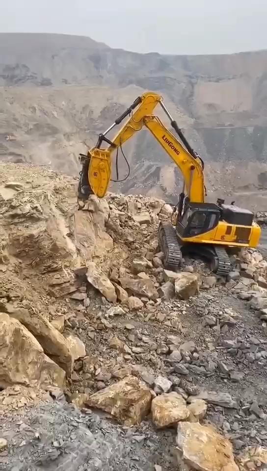 柳工952EHD炮王机 搭配高频锤 视觉震撼-帖子图片