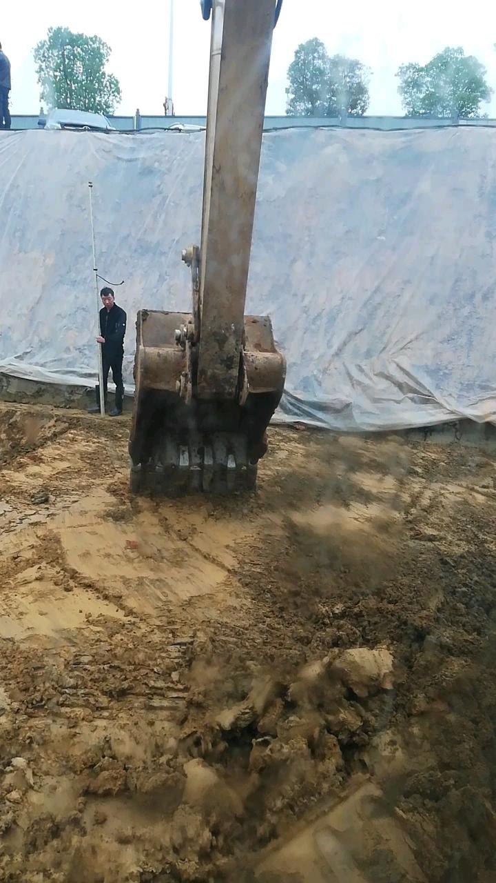 [我的铁甲日记第一百三十七天]看看用铁板挖土的效果