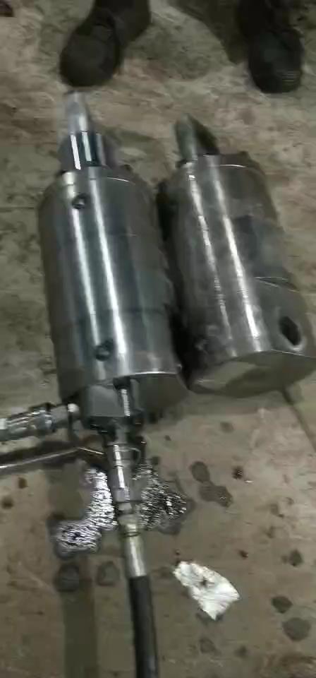 振动锤油缸!