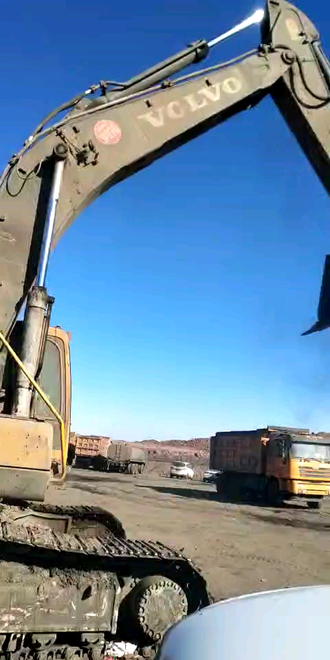 矿山修机,老汉沃尔沃360,临时接活竟然搞出这种结果