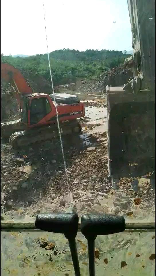 碎石场工作-帖子图片