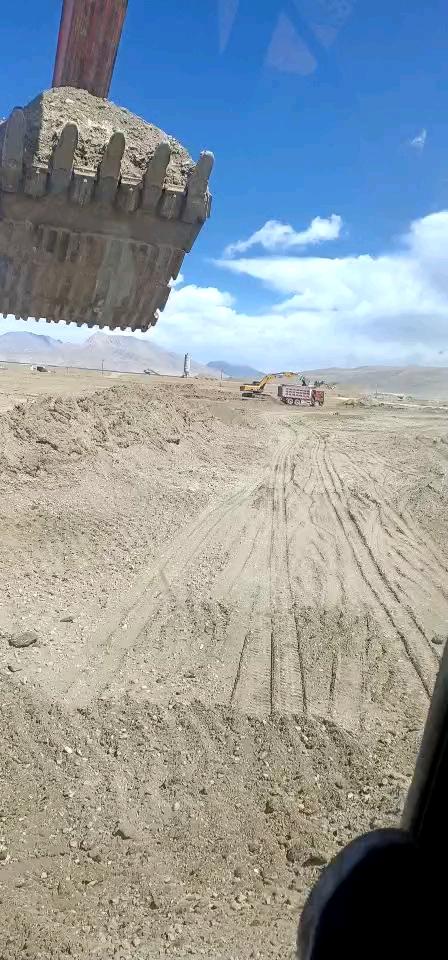 日立240-3G海拔4800米!75度发动机度开锅