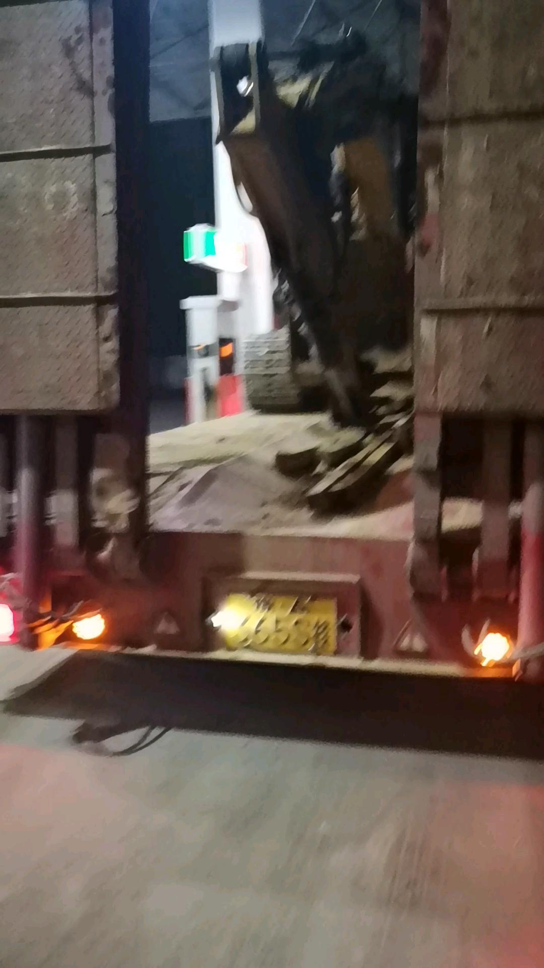 在铁甲买的第二台挖机三一135