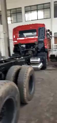 迟到了半年多的平板运输车提车作业