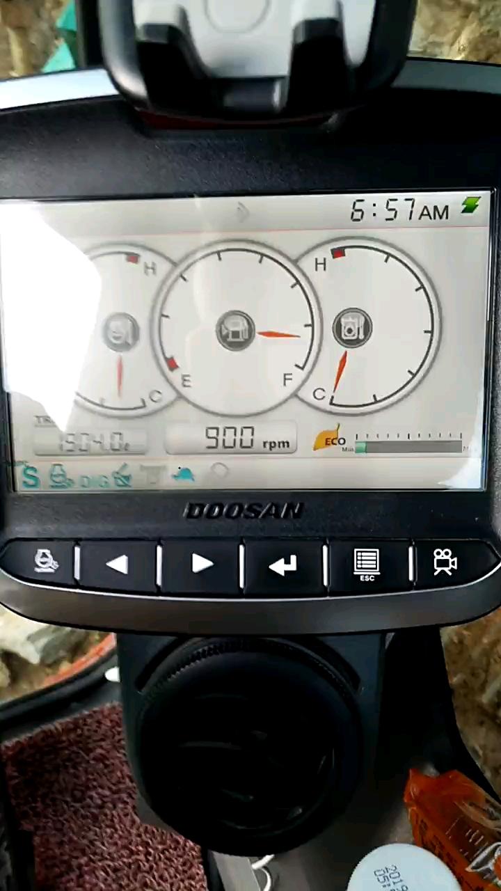 DX150-9这种怎么看液压油温度,要数字那种