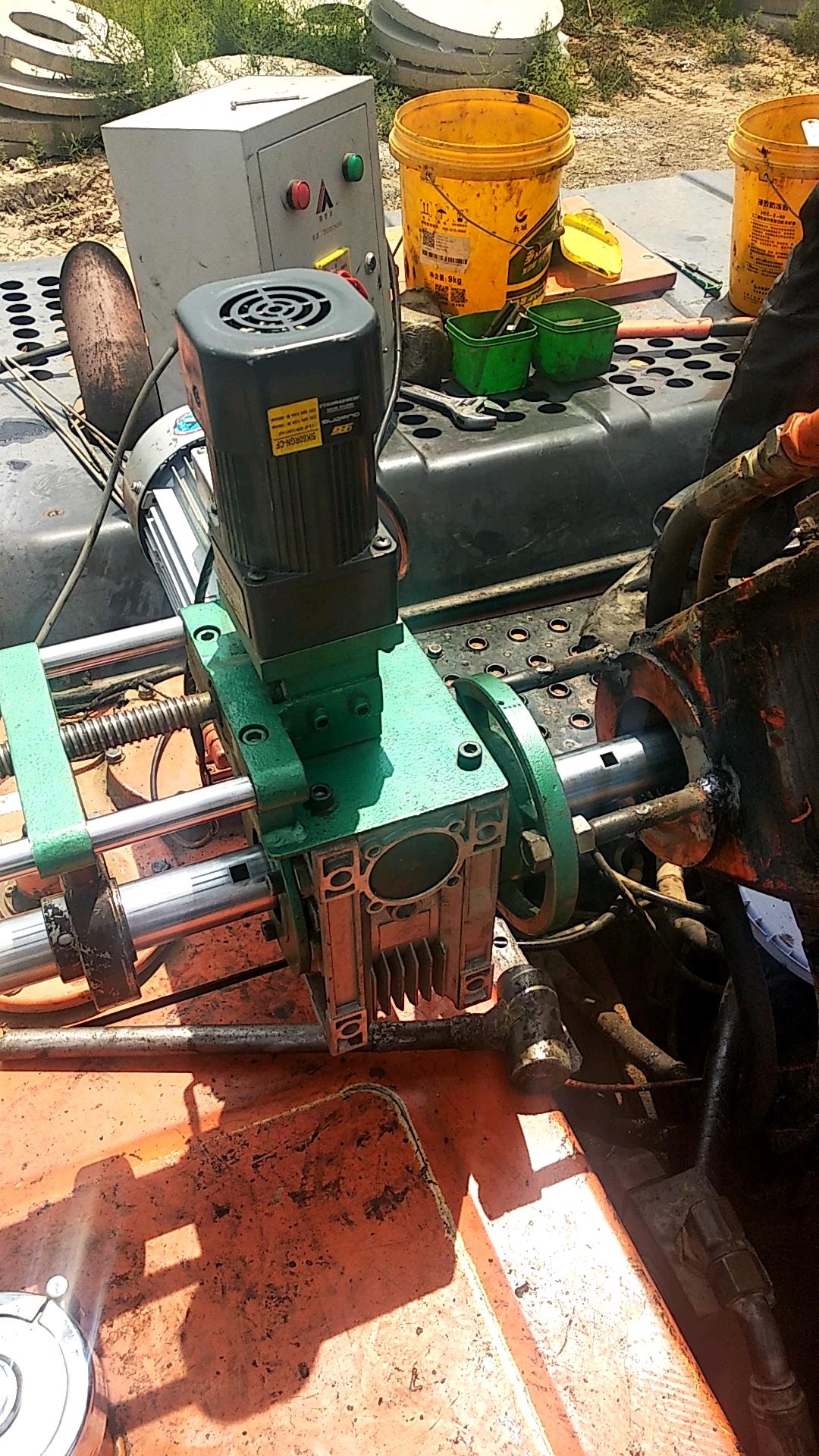 【我要上热门】老旧挖机'之保养'轴销的重要性!