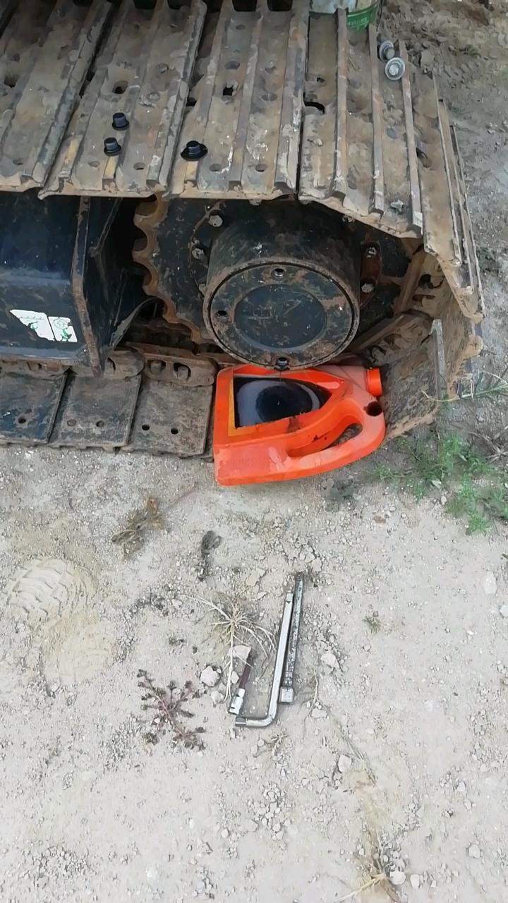 【我的铁甲日记第349天】今天给挖机做个保健
