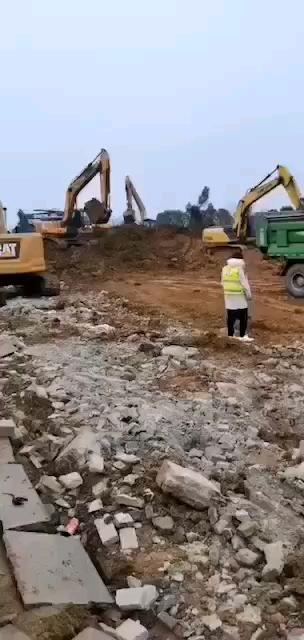 【武汉6天内要抢建的医院急需20台大挖】