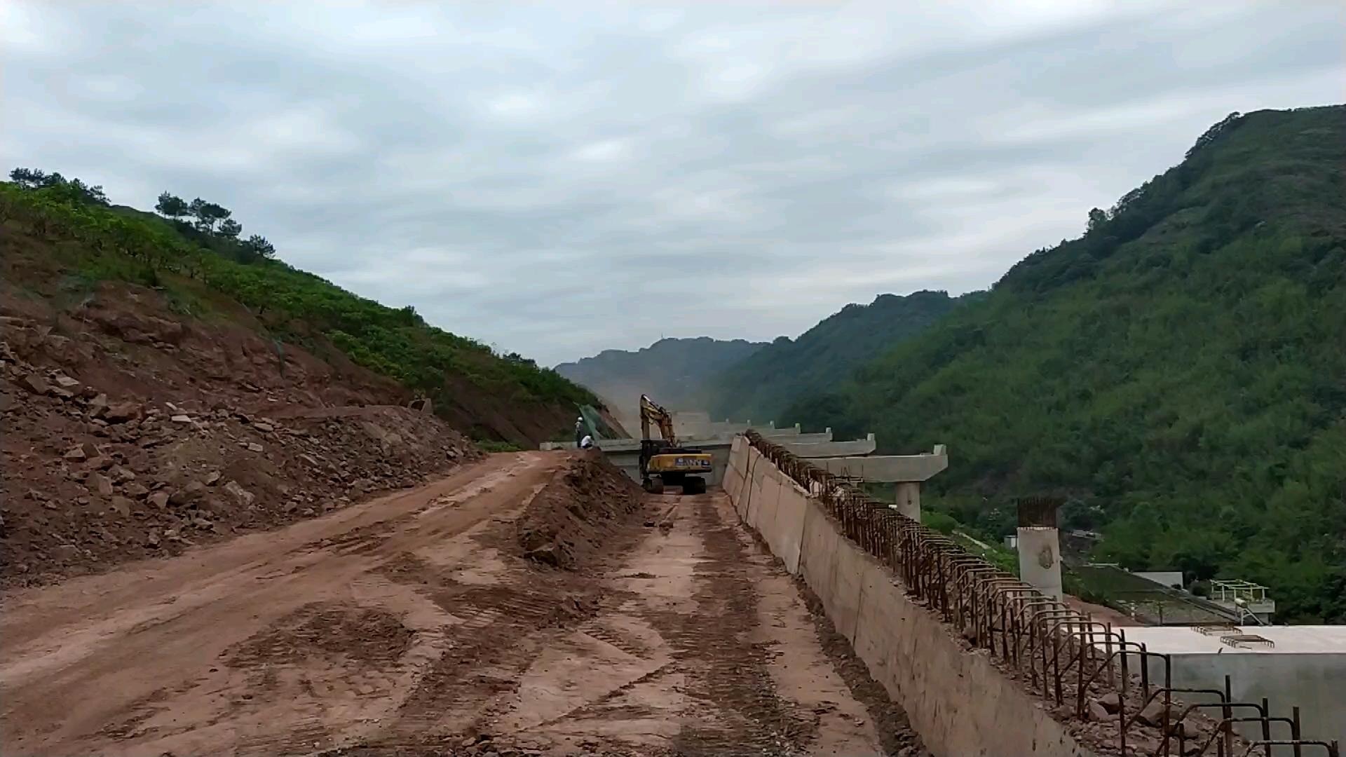 【铁甲视频】半幅高架半幅路基-帖子图片