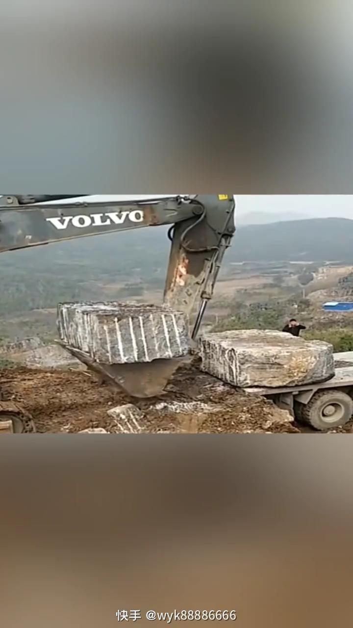 【铁甲视频】据说这里开挖机工资都要1w以上