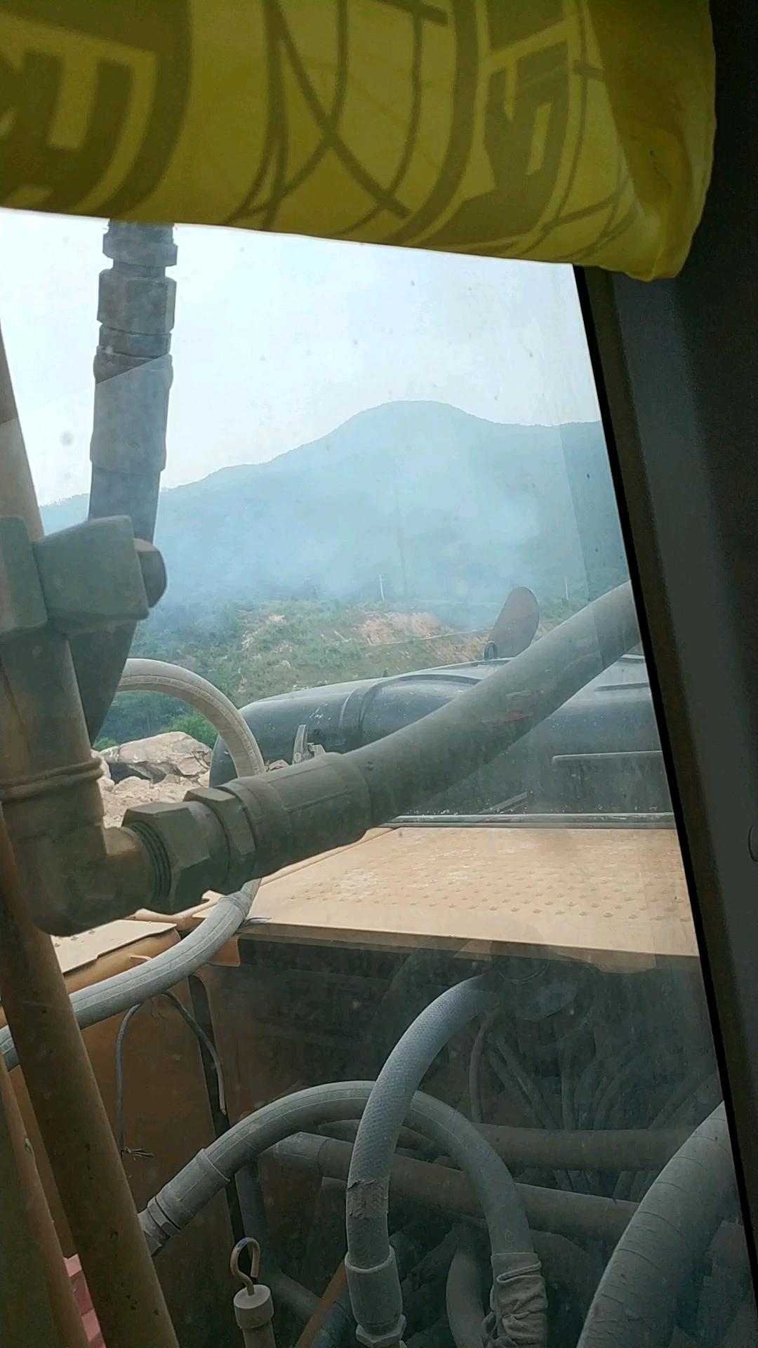 求助,卡特323D2L热车怠速冒蓝烟