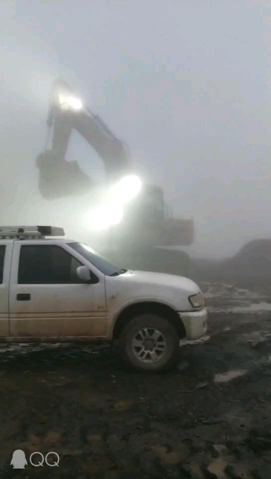 【工程记事】又见卡特6015挖掘机!140吨矿山巨无霸!