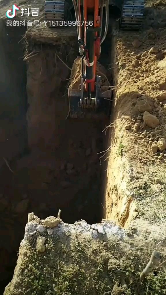 【铁甲视频】一看就懂的挖坑视频