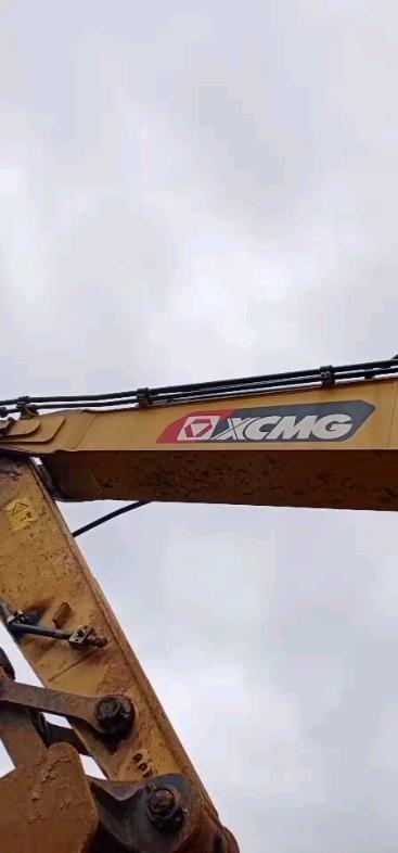 全新挖掘机出故障了