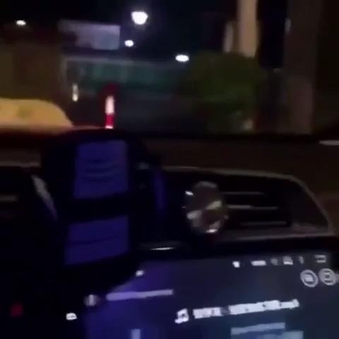 车上莫名多了三个。。。。