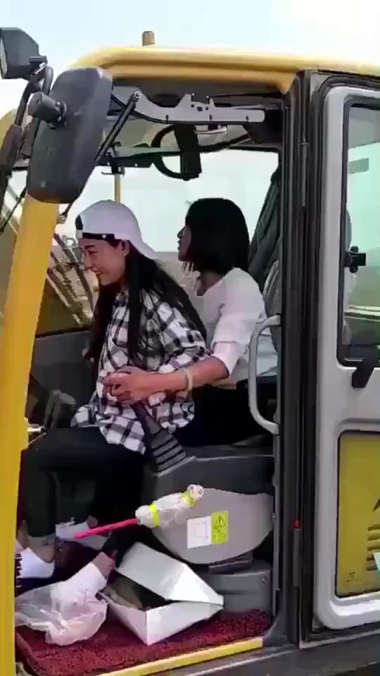 机子可以两个人一起开?