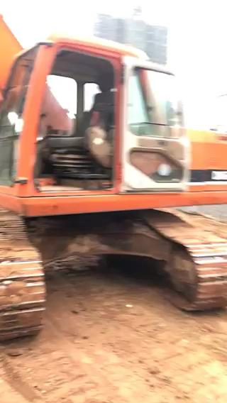 挖沟挖断了电缆