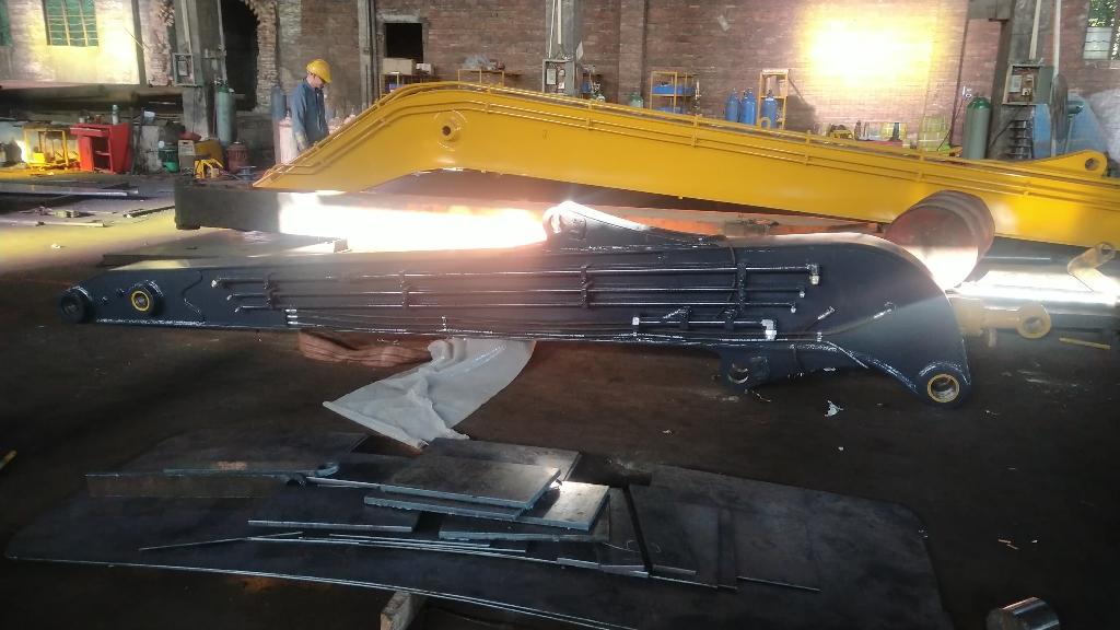 沃尔沃360改打桩机 定做15米桩机臂出货