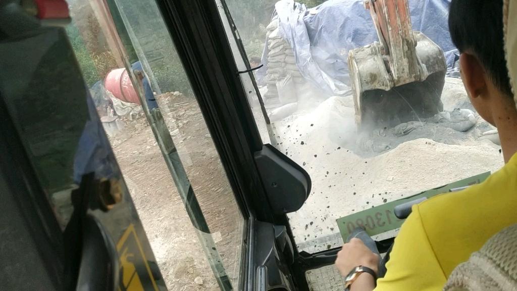 【我要上头条】日立ZX130-5A挖掘机驾驶体验-帖子图片
