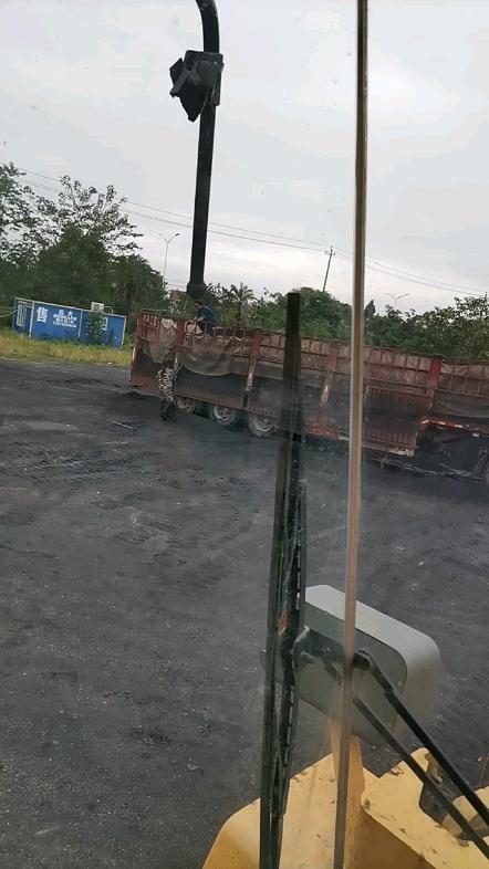 半掛車卸煤-帖子圖片