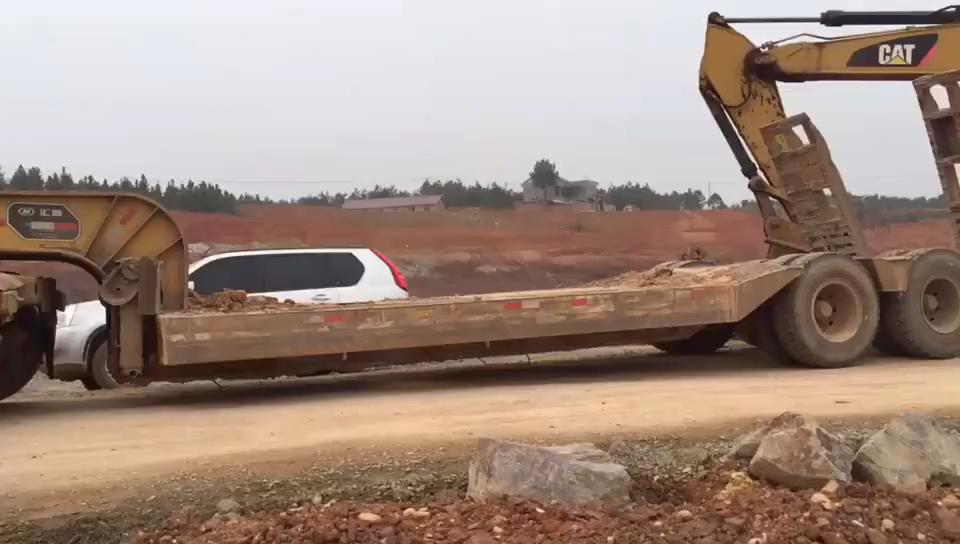 【视频征集】送给新手!挖机上下板车的方法