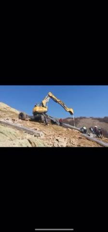 徐工步履式挖掘机(蜘蛛挖掘机)