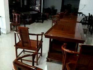 挖机活难找钱难要,转行卖红木家具,月入20000元
