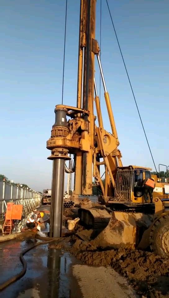 旋挖钻机标准施工技巧:摩阻杆+机锁杆使用方法