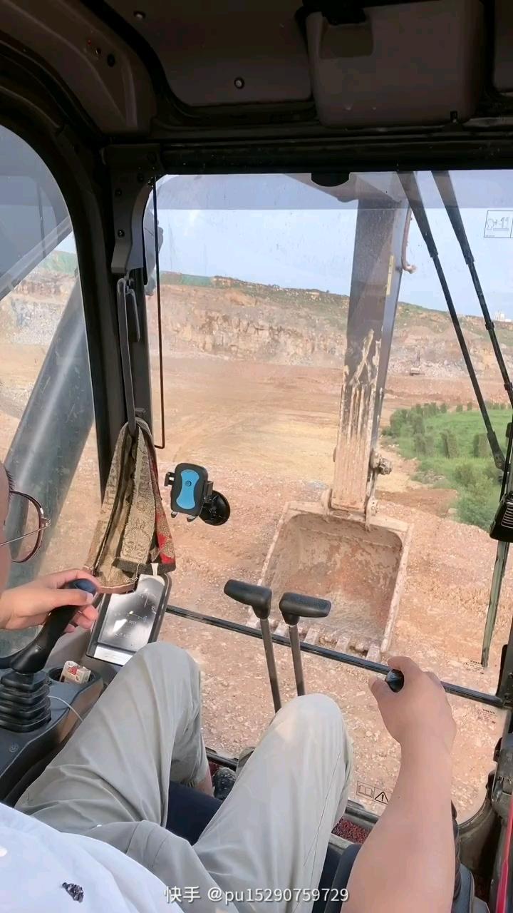 挖掘机如何转弯安全又快捷?