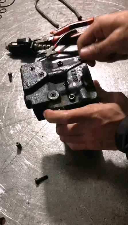 牛挖说液压第1期:挖掘机调节器维修组装全过程-帖子图片