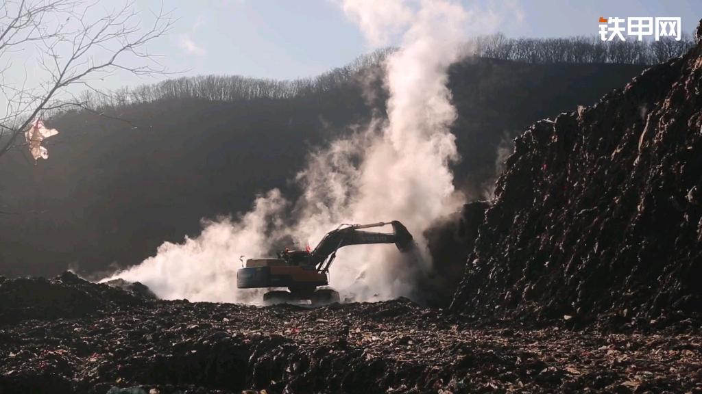 【甲友点评】战斗在垃圾山里的沃尔沃350!
