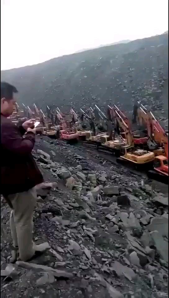 瞧瞧这阵势,得多大的矿。