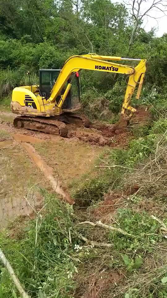 请外人挖机打工,不如自己当挖机老板,喜提小松pc60-8!