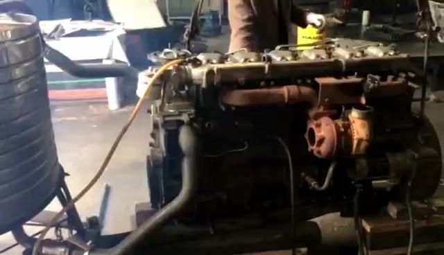 利勃海尔R944B发动机大修
