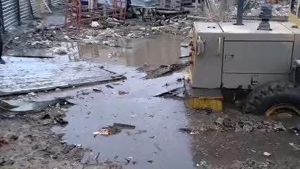 國外柳工裝載機之間救援-帖子圖片