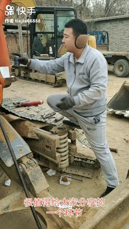 挖机涨紧油缸的修复方法!