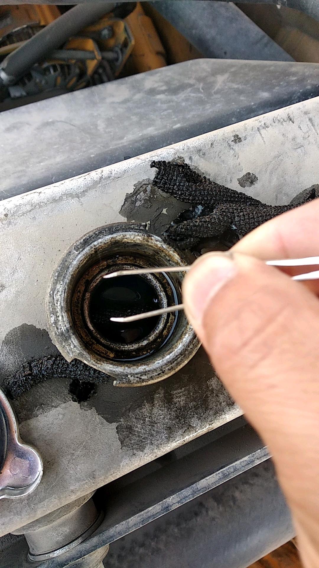 挖机水箱机油问题续篇,求大师指点