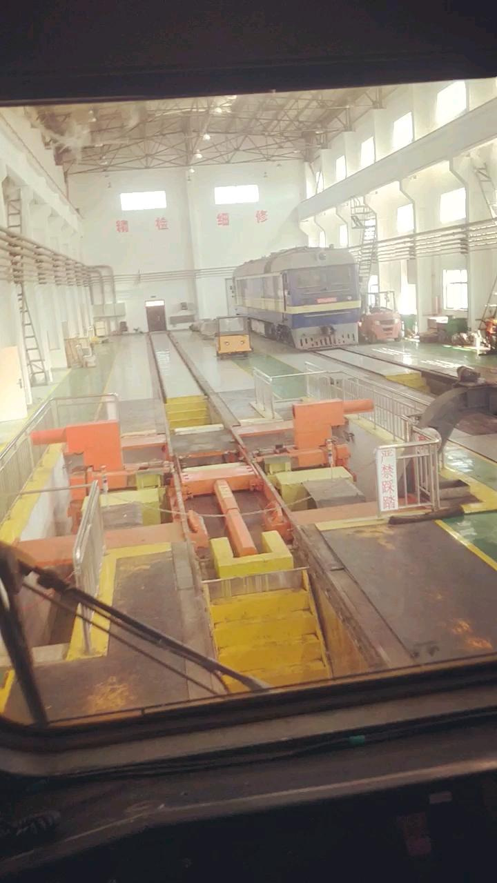 火车驾驶室