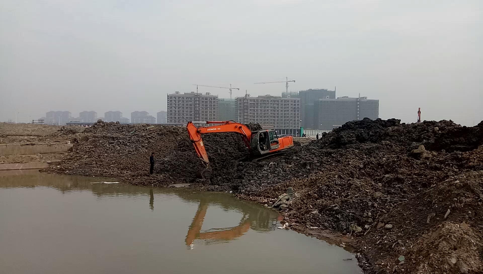 【印象最深的施工事故】救援陷入泥淖的挖掘机-帖子图片