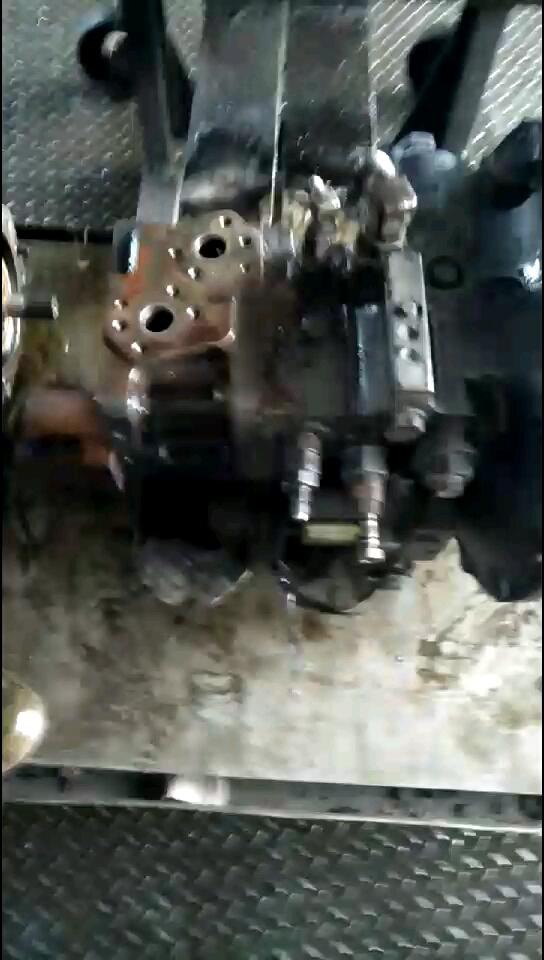 小松液压泵检查