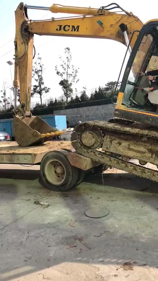 招挖掘机学员