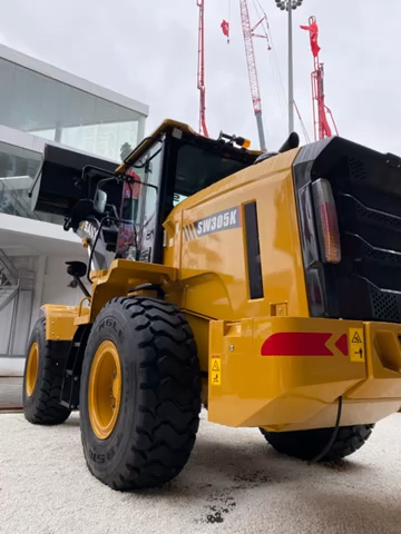精勇说车(1):宝马展三一最高端出口型装载机SW305K